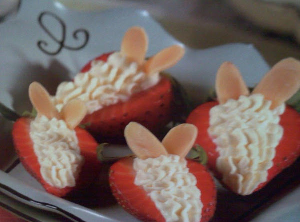 Cheesecake-filled Strawberries Recipe