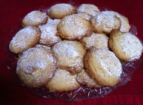 Yummy, Buttery, Cookies. You Can't Eat Just One. :)