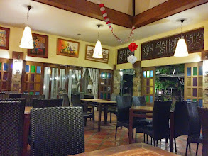 Photo: Dinner with Nikki at Escas Garden Restaurant. We're the only customers that time.