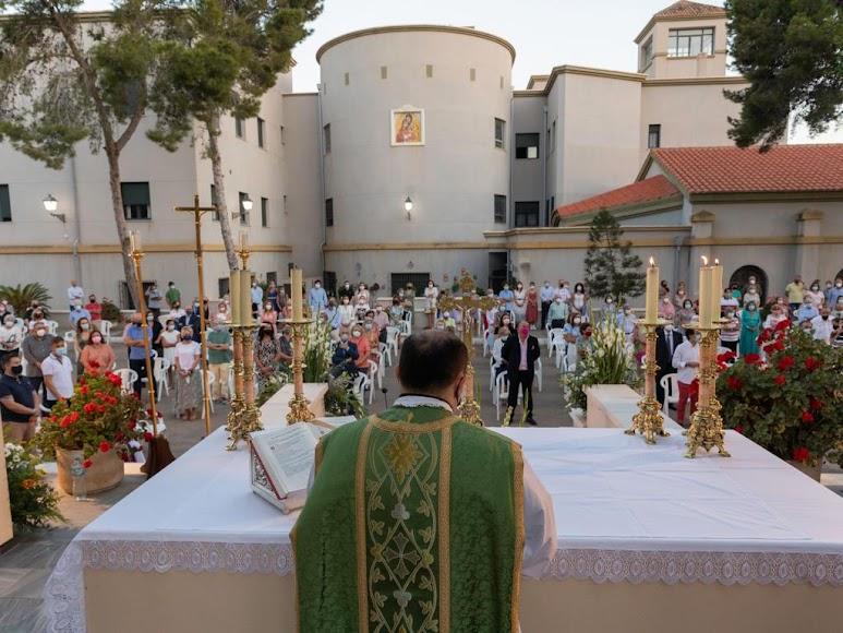Misa oficiada por don Ramón Garrido en Aguadulce.