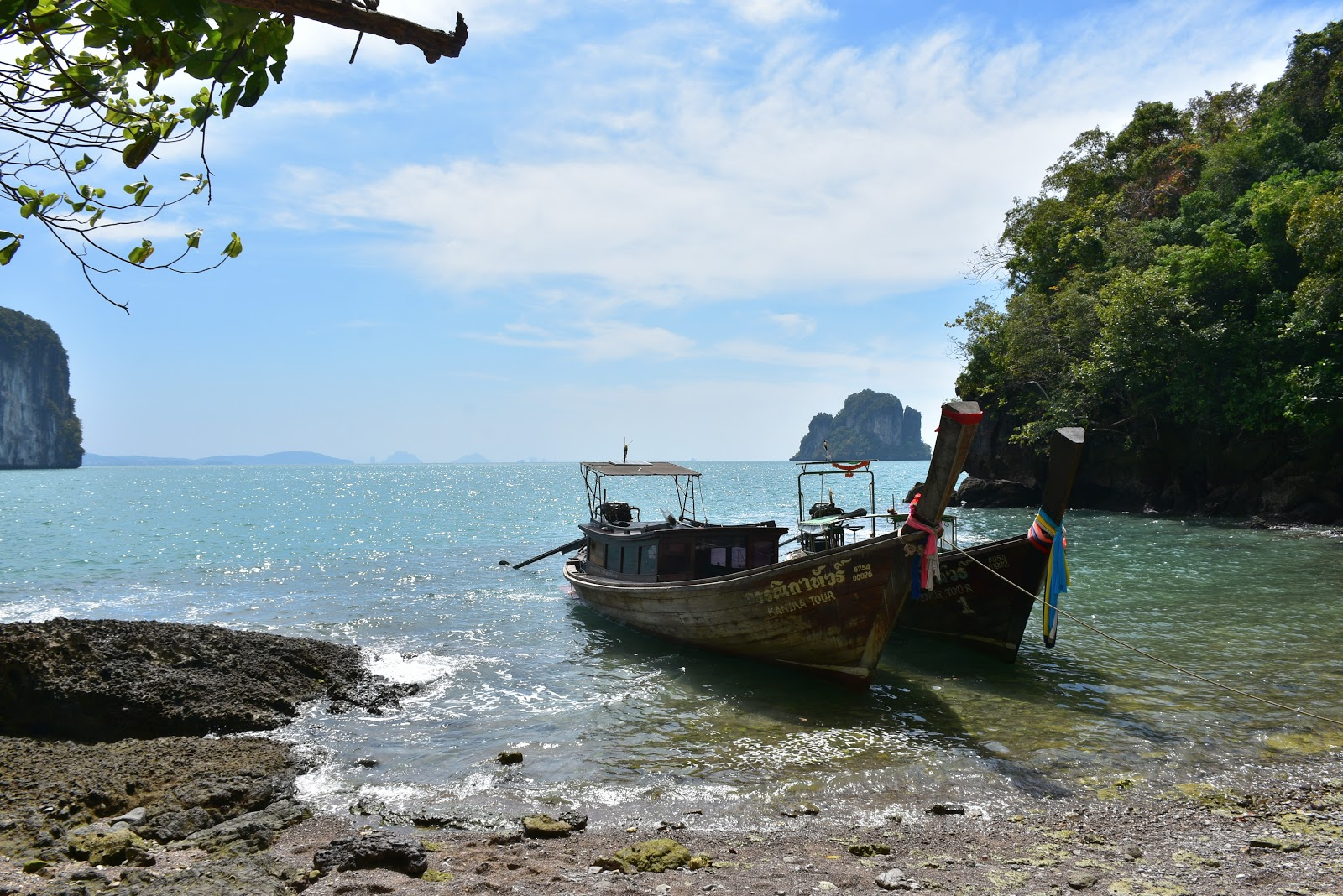 Hong Island Sightseeing Tour with Mr. Baw by Longtail Boat