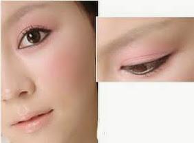 Chăm sóc da:Trang điểm với gam màu tươi sáng giúp gương mặt tươi trẻ, tràn đầy sức sống