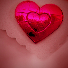 Shiny Pink Heart by Liz Pascal - Public Holidays Valentines Day (  )
