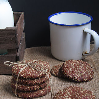 Cocoa and Amaranth Cookies.