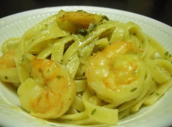 Shrimp Fettuccine With Garlic Butter Sauce