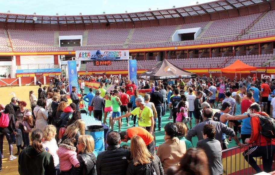 Fiesta en Roquetas de Mar.