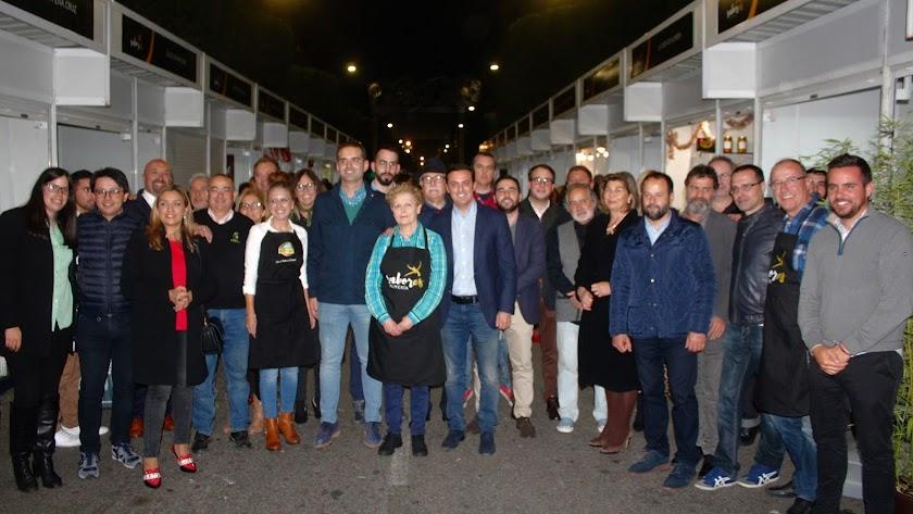 Autoridades y empresarios participantes en la Feria Sabores Almería.