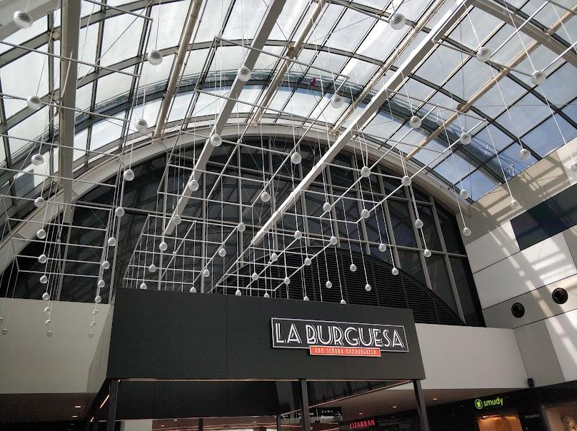 Lugar de instalación del jardín vertical del centro comercial Diagonal Mar en Barcelona