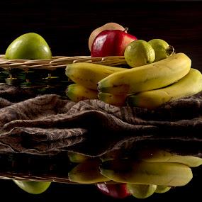 Bananas and basket  by Cristobal Garciaferro Rubio - Food & Drink Fruits & Vegetables ( banana, reflection, apple, reflections, apples )