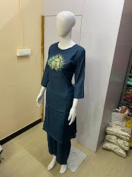 Mahalaxmi Boutique photo 13