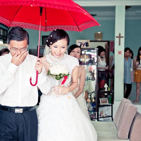 Wedding photographer Simon Yong (whysnchlo). Photo of 20.02.2014