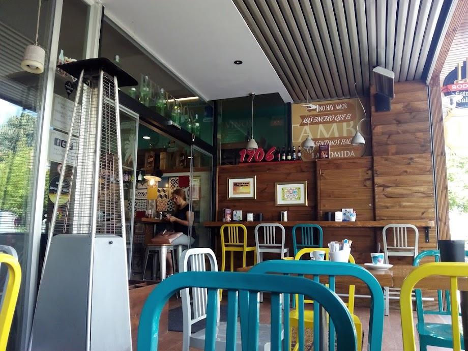 Foto Tambo Coffee & Restaurant 15