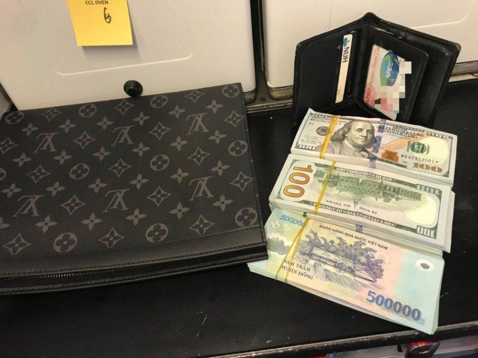 A wallet containing $45,000 cash and the equivalent of $2,169 in Vietnamese currency was returned to a passenger after being left behind on a Vietnam Airlines plane. Photo courtesy of Vietnam Airlines