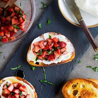 Easy Strawberry Crostini