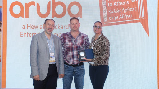 Left to right: Osama AlHaj-Issa, MESA channel director, HPE Aruba, Francois Jacobs, senior account manager: Commercial, Datacentrix, and Leigh-Anne Spencer, channel account manager, HPE Aruba.