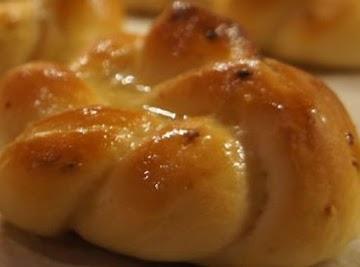 Garlic Butter Bowknot Rolls Recipe