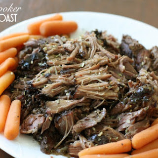 SLOW COOKER GREEK POT ROAST.