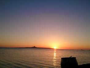 Photo: 伊江島の向こうに沈んで行く