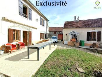 villa à Pouilly-en-Auxois (21)