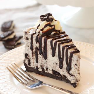 Easy No Bake Oreo Cheesecake.