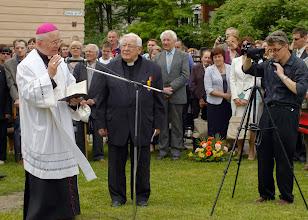 Photo: J.E. arkivysk. Metropolitas Sigitas Tamkevičius. Monsinjoras Juozapas Antanavičius.