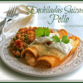 "ENCHILADAS SUIZAS con POLLO  (""Swiss Chicken Enchiladas"")."