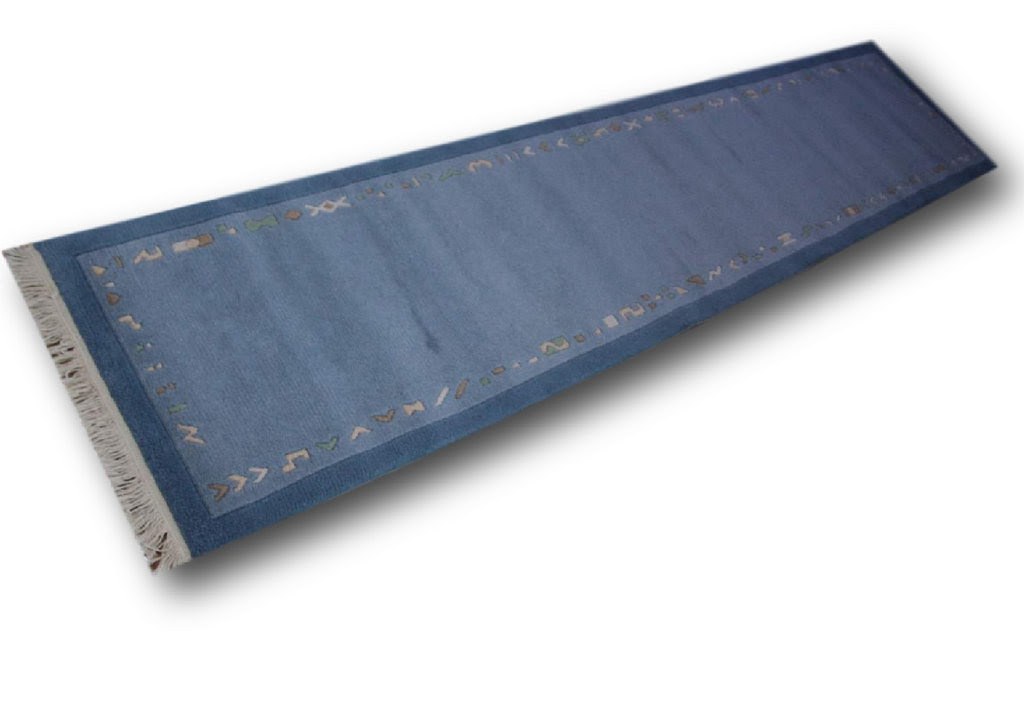 elegancki niebieski nowoczesny dywan ręcznie tkany chodnik nepalski 800x300