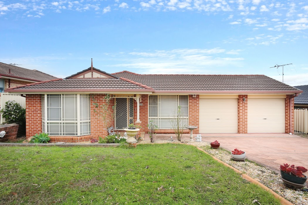Main photo of property at 11 Downes Crescent, Currans Hill 2567