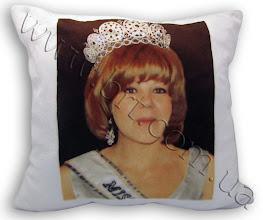 Photo: Подушка подруге - Мисс Вселенная. Фотоколлаж нанесен на меховую подушку