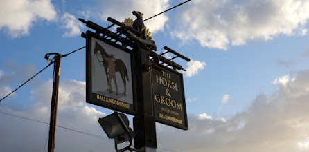 Photo: THURSDAY 27TH JULY.   A CHANGE OF PLAN . WE ARE AT THE HORSE & GROOM