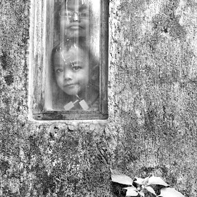 framing a moment about my children by Krus Haryanto - People Family