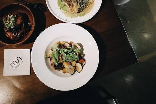 Munchies Cafe & Bistro,異國特色料理驚人級美味,最愛香煎海鱸魚佐青豆泥!