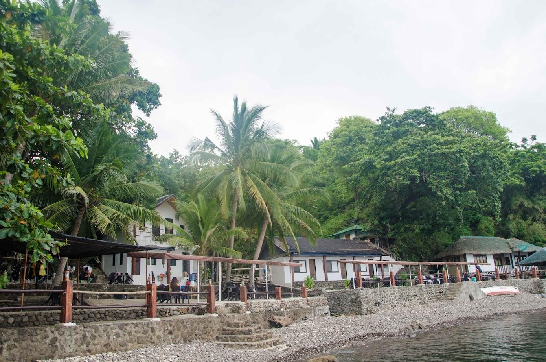 Bus Stop Dive Resort Review