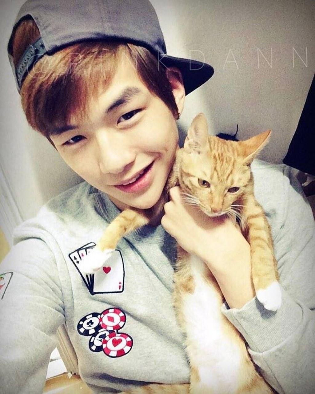 kangdaniel-cat2