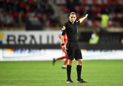 Après l'Allemagne, la France: une femme pour la première fois au sifflet en Ligue 1