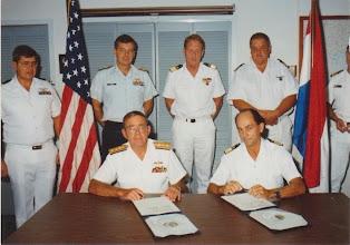 Photo: Dec 1991 Key West Florida ondertekening van Memorandum of Understanding (drugsbestrijding)