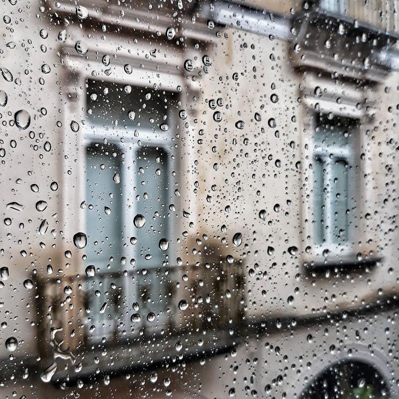 piove ...e io resto a casa di efferre_