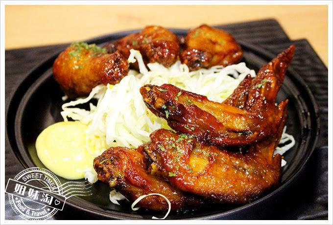 攝飲動漫主題餐廳香吉士烤雞翅2