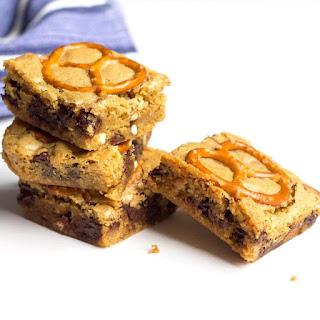 Chocolate Chip Pretzel Blondies