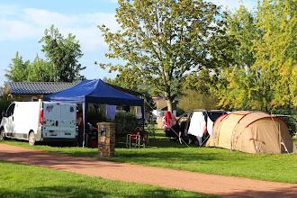 Photo: Le camp de base le vendredi soir