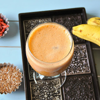 Antioxidant Rich Goji berry and Banana smoothie.
