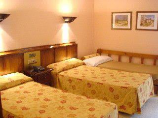 Pere D Urg Hotel