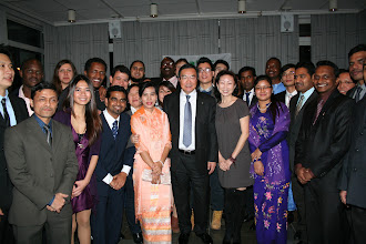 Photo: IMO Secretary-General and WMU Chancellor, Koji Sekimizu at the 1 December Sasakawa Fellows Reception with the Class of 2012 and Class of 2013 Sasakawa Fellows