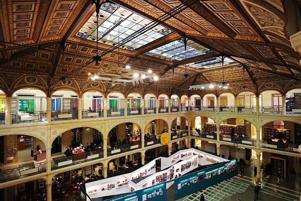 Sala Borsa - biblioteca di Bologna di MauroV