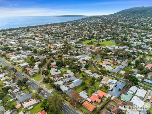 Photo of property at 71 Jetty Road, Rosebud 3939