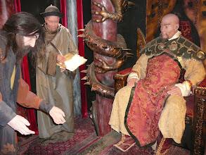Photo: Marco Polo Múzeum, Marco Polo, Kerkyra, Marco Polo, Kublaj kán a trónon