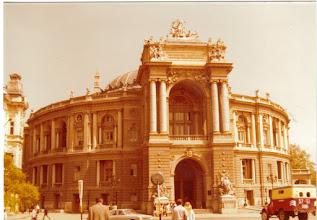 Photo: Odessaa sympoloi Baletti ja Oopperateatteri. Siellä tuli nukuttua elämäni ensimmäiset baletit.