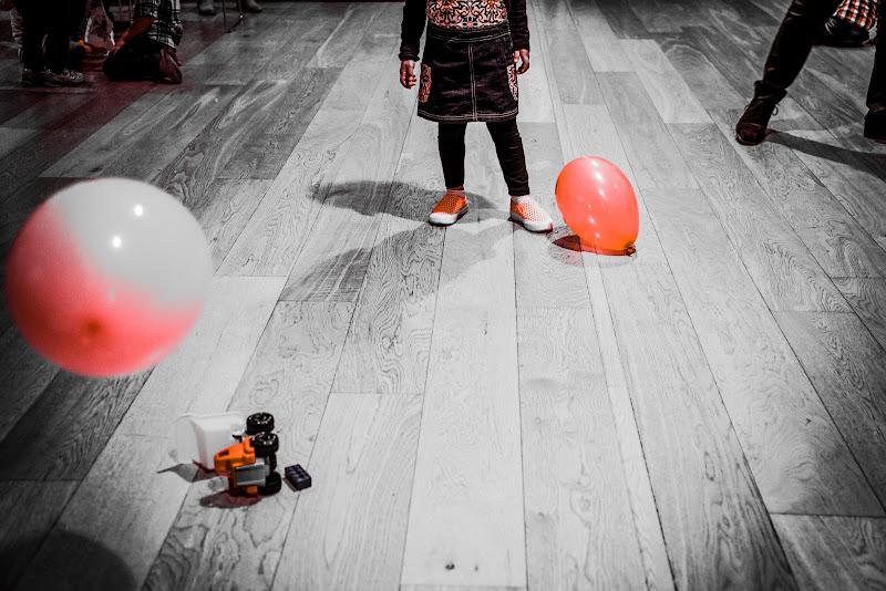 Play with orange  di Sebastiano Pieri