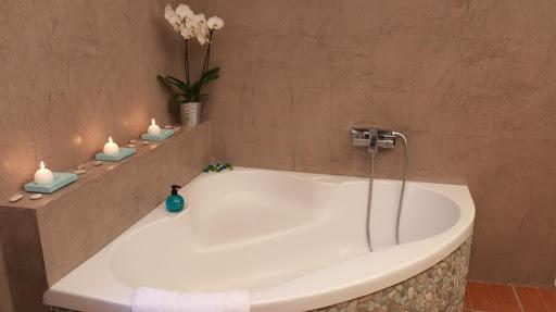 salle-de-bain-design-en-beton-cire-mur-resiste-a-lhumidite-enduit-decoratif-pour-piece-humide-salle-deau