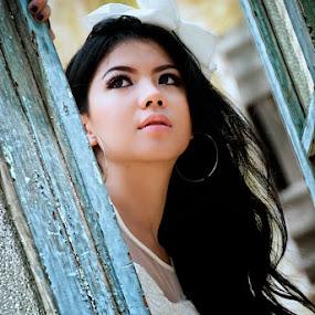:: White Beauty :: by Andi Ilham - People Portraits of Women